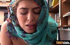 Penis Emmek İstemeyen Araplarla Gerçek Porno Filmler