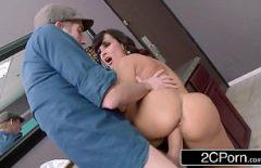 Klitoris Mare Lins Ditamai Pula Fucks Bir Porno Aktris