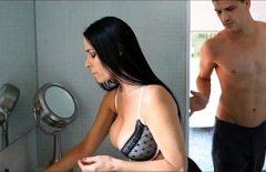 Romanyalı Filmler Sex Ana Fucks Onu In The Shower Of Saturation