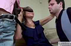 O Gösterir Onu Kocası Nasıl O Berbat Horoz Ve Fucks Onu Acımasızca