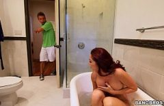 Ücretsiz Oral Ve Anal Seks Duşta Boşalmış Amca Anne Bulur