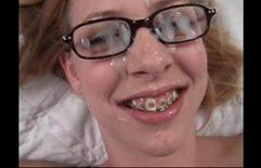 Çirkin Kız Becerdin Ve Çirkin Gözlüklerinde Sperm